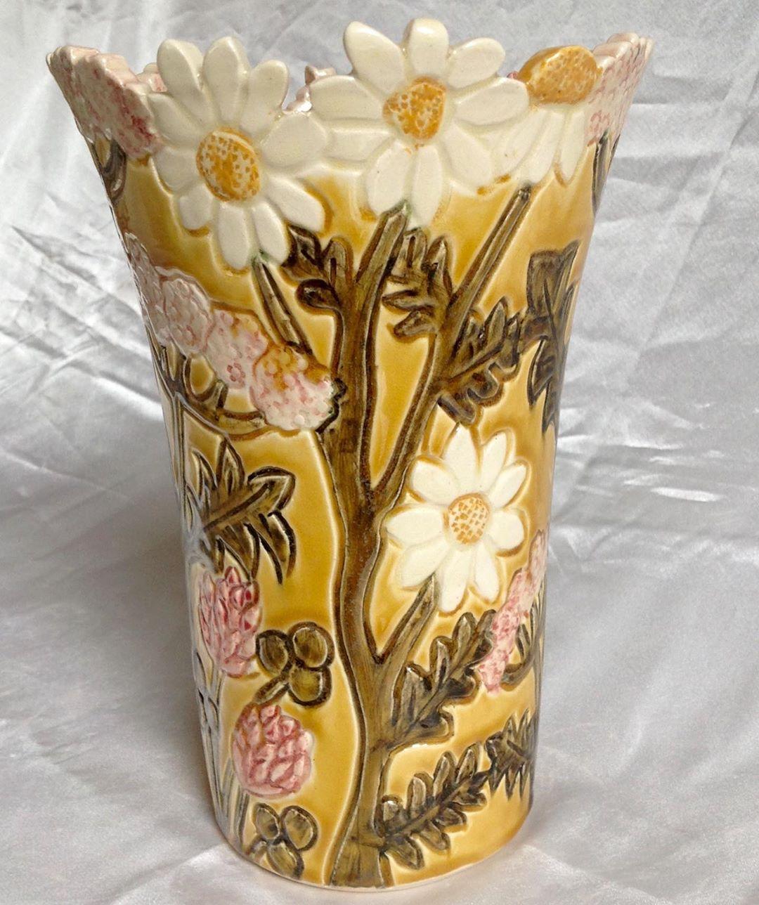 pot with flower design